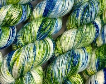 Hand dyed sock yarn, superwash merino & nylon, 400 yds / 100 grams. Great for knitting, crocheting, weaving