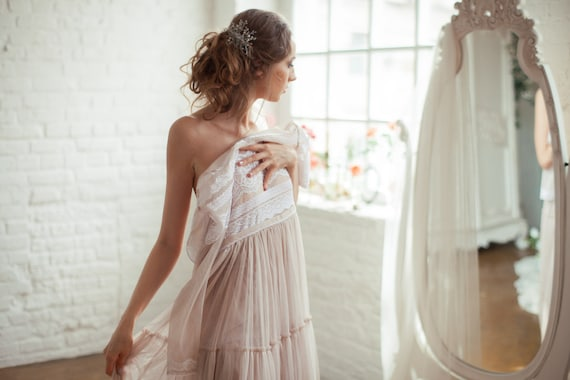 Ultra / Vintage Wedding Dress With Long Sleeves / Blush Color