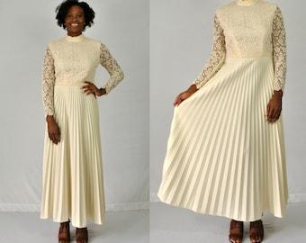 1970s Long Sleeve Boho Wedding Dress