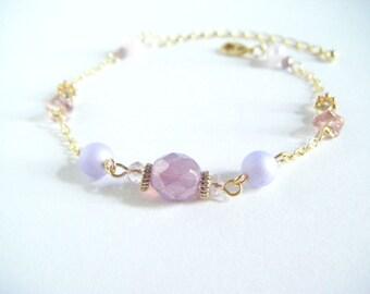 Pastel pink dainty bracelet, pastel pink cute bracelet, cute pink bracelet, pink beaded bracelet, gift for her, bracelet under 10.