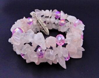 Feather charm bracelet, pink memory wire bracelet, Rose Quartz bracelet, Rose Quartz jewelry, gift ideas, beaded bracelet, gemstone jewelry