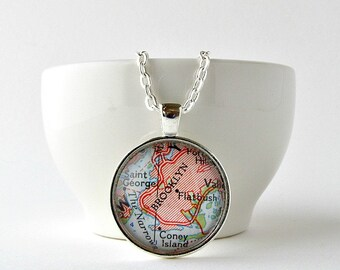Wanderlust Map Necklace, Sister Birthday Necklace, Mom Birthday Jewelry, Mother in Law Gift, Employee Appreciation Gifts, Gift for Coworker