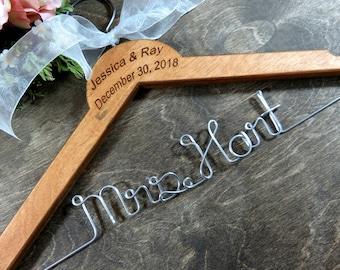 Wire Name Hangers - Last Name Hangers - Bride Coat Hangers - Bridal Accessories - Wedding Dress Hangers - Personalized Hangers- Original