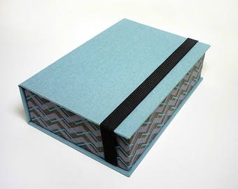 Box for Photos 4x6 inches, Photo Storage, Presentation Box, Keepsake, Wedding, Handmade with book cloth