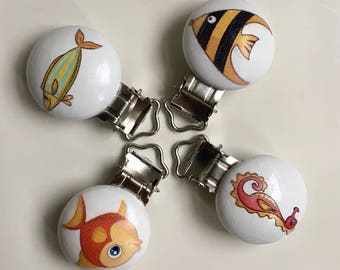 4x Wooden pacifier Clips* fish*soother clip* Pacifier clip
