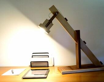 SUMIRO lamp in Iroko and oiled Beech