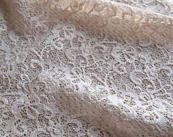 Fabric lace embossed cream 50 * 120 cm