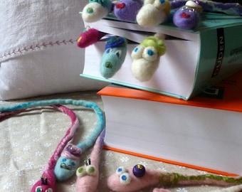 Bookmark Reading worm