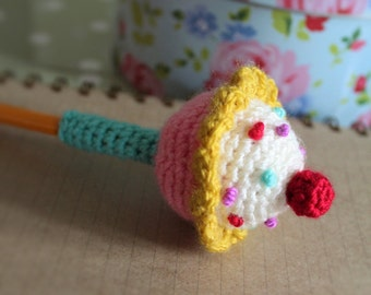 wooly likes to hook crochet cupcake pencil topper pattern