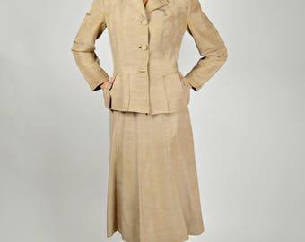 1940s Women's Suit, 1940s Costume, USO Suit, Andrew Sisters Costume, Tan Suit, Silk Suit, Beige Suit, 1940s Suit,  World War II, Size Medium