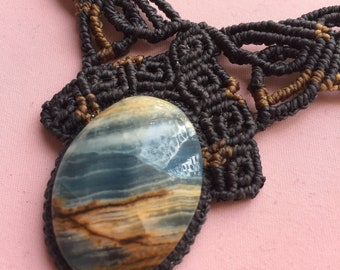 blue onyx macrame necklace