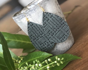 Panama sage (lg) basket weave leather teardrop earrings