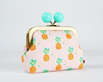 Metal frame coin purse with color bobble - Little pineapples on pink - Color dad / Tropical fruits / Mint green orange lime pink