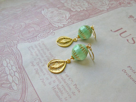Vintage Summer medium ear...