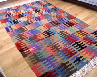 kilim rug free shipping VINTAGE TURKİSH  kilim Anatolian  handwoven kilim rug  decorative kilim - SİZE : 59'' X 104'' (147 cm X 260 cm)