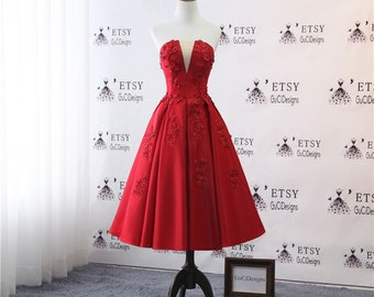 2018 Bridesmaid Dresses Tea Length Red Graduation Homecoming Party Dress Sexy V-neck Cut Formal Prom Evening Dress Short Illusion Tulle Back