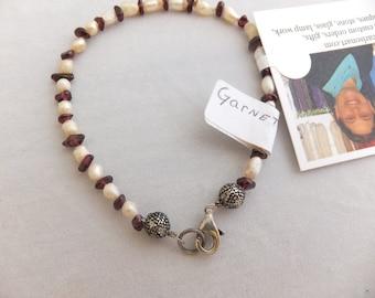 Garnet stones, Freshwater Pearls, 8 1/4 bracelet