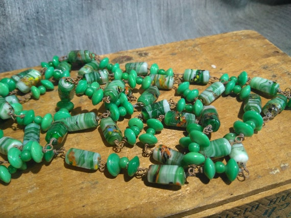 Pretty long vintage 1920s Murano Venetian jade green glass flapper necklace 52""