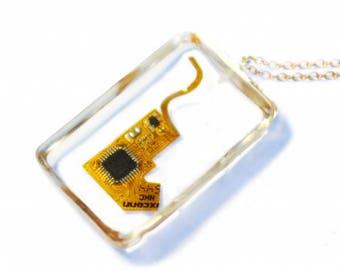 Ipod nano chip gold - Necklace