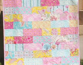 Crib sized baby quilts