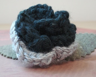 Crocheted Rose Barrette - Silver and Black (SWG-HB-ZZ04)