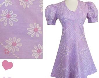 Vintage 60s Dress / Vintage 70s Dress / 60s Mini Dress / Puff Sleeve Dress / Lavender Purple XS S Floral Mini Shift A-line Shift Boho Hippie
