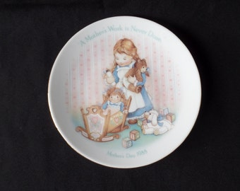 A Mother's Work is Never Done 1988 Mother's Day Plate-Avon Fine Collectibles