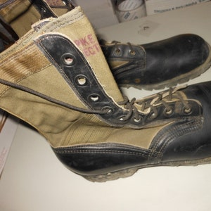 1960's vietnam war soldier's jungle army combat boots - Size 10 R - spike  protective