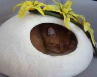 Felted Cat Cave / Cat Den / Cat House / Pets house/ Cat Cocoon  and GIFT