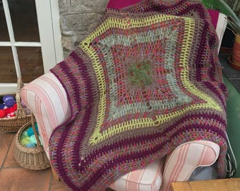 Granny Square Throw - gorgeous greens & pinks!