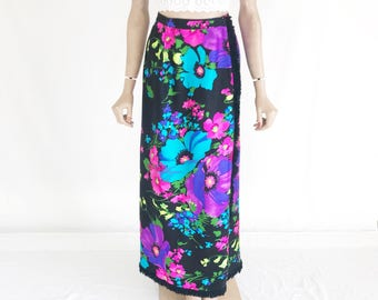 Vintage  70s Mod Maxi Skirt. Size Small
