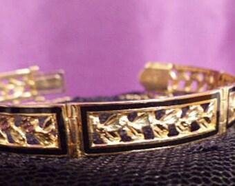Gorgeous HEIRLOOM JEWELRY - Vintage 14KT Gold Filigree Bracelet With Diamond Cut Leaves - 14kt Gold Bracelet - Estate Jewelry