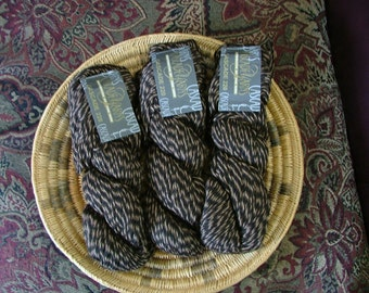 Cascade 220 Yarn Made in Peru Color No 9556 Lot No 2G0131 Tiger Stripe Twist Crochet Knit Felting