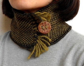 Hand-woven scarf warmer wool and alpaca, ceramic button