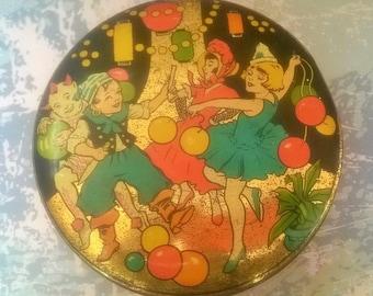 Lewis's Sovereign Toffee Art Deco carnival tin, jazz age , vintage tin