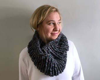 "Chunky knit scarf / Infinity cowl / ""Newport"" scarf / Color - Abalone / Ready to ship"