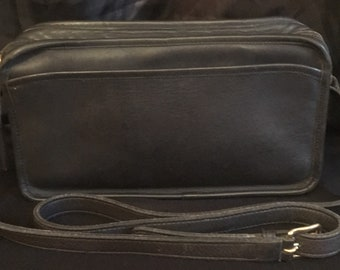 Vintage Coach Messenger Cross Body Bag Leather