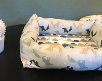 Fox Themed Cushioned Dog Bed