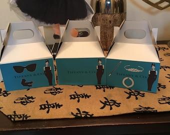 6   Party favor treat boxes