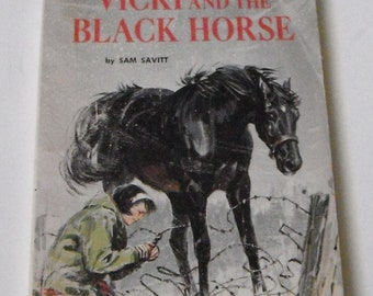 Vicki and The Black Horse by Sam Savitt Vintage Softcover Scholastic Book TX 3071
