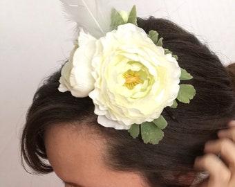 White Ranunculus Fascinator