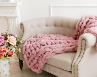 Chunky pink throw blankets, Dusty Pink cable knit wool throw, Pinky decorative for bed, couch, Giant bulky pink sofa throw, Mother day gifts