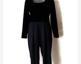 ON SALE Vintage Black Velour Slouchy Long sleeve Jumpsuit /All in one from 1980's/Minimal/Minimalist*