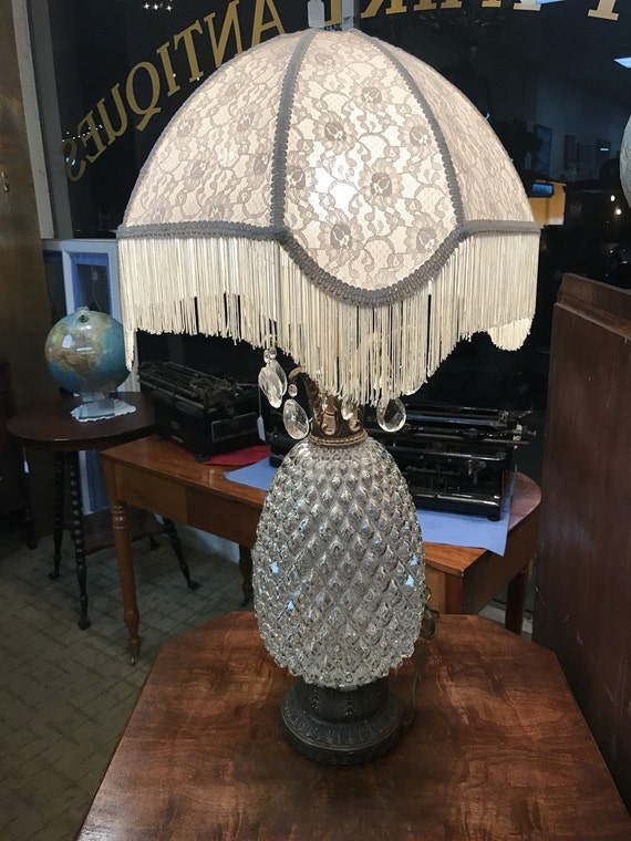 Crystal table lamp with shade