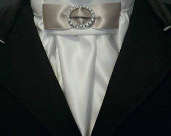 Equestrian Pzazz White and Silver Euro-style Stock Tie