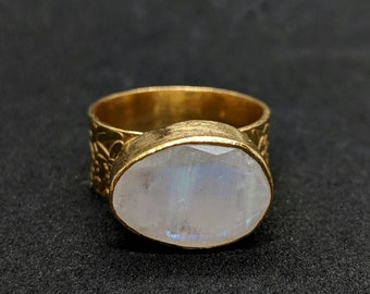 ESHQROCK RAAT Horizontal Oval Moonstone Ring Size N/ 7 22k Gold Plated Brass