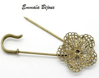 2 safety pins filigree flower brooches