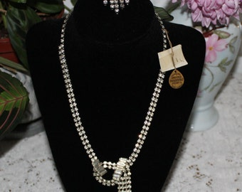 Vintage 1920's NECKLACE and BROOCH Set
