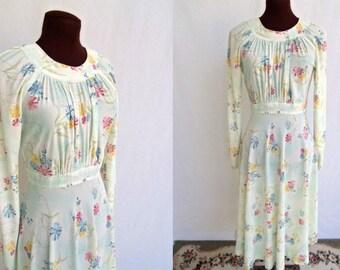 Vintage 70s Floral Print Dress Size S / Small Figure Flattering