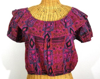 Off the shoulder, Folk Style Peasant Crop Top / Size M/L